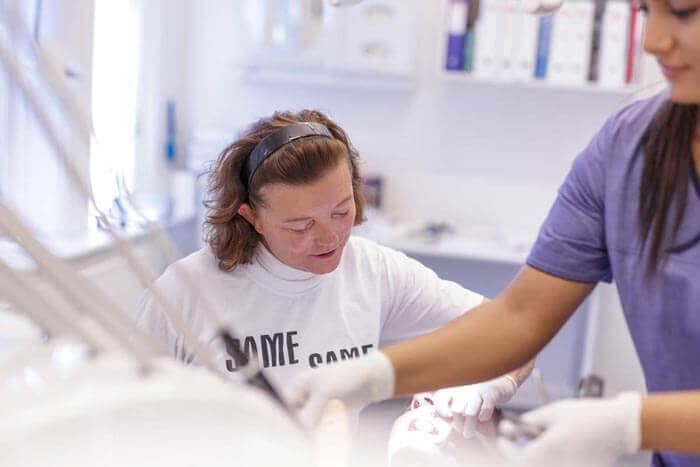 Tandbehandling af tandlæge på Amager